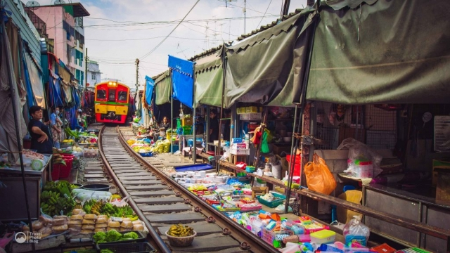Train Market close to Bangkok